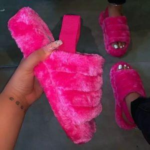 Shoes - Furry Slides 😻🔥